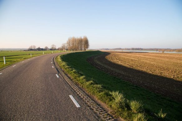 Over de dijk langs de IJssel | Schrijven met Licht